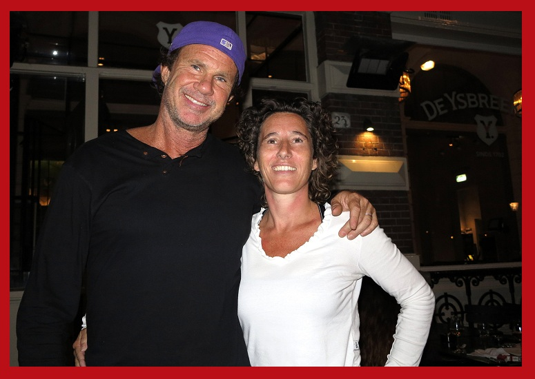 Anouk Pappers meeting Chad Smith - CoolBrands meeting the Red Hot Chilly Peppers