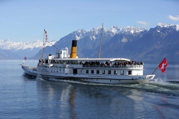 Geneva - Crossing the lake