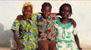 Happy Kids in N'Djamena - by Maarten Schafer - CoolTravel